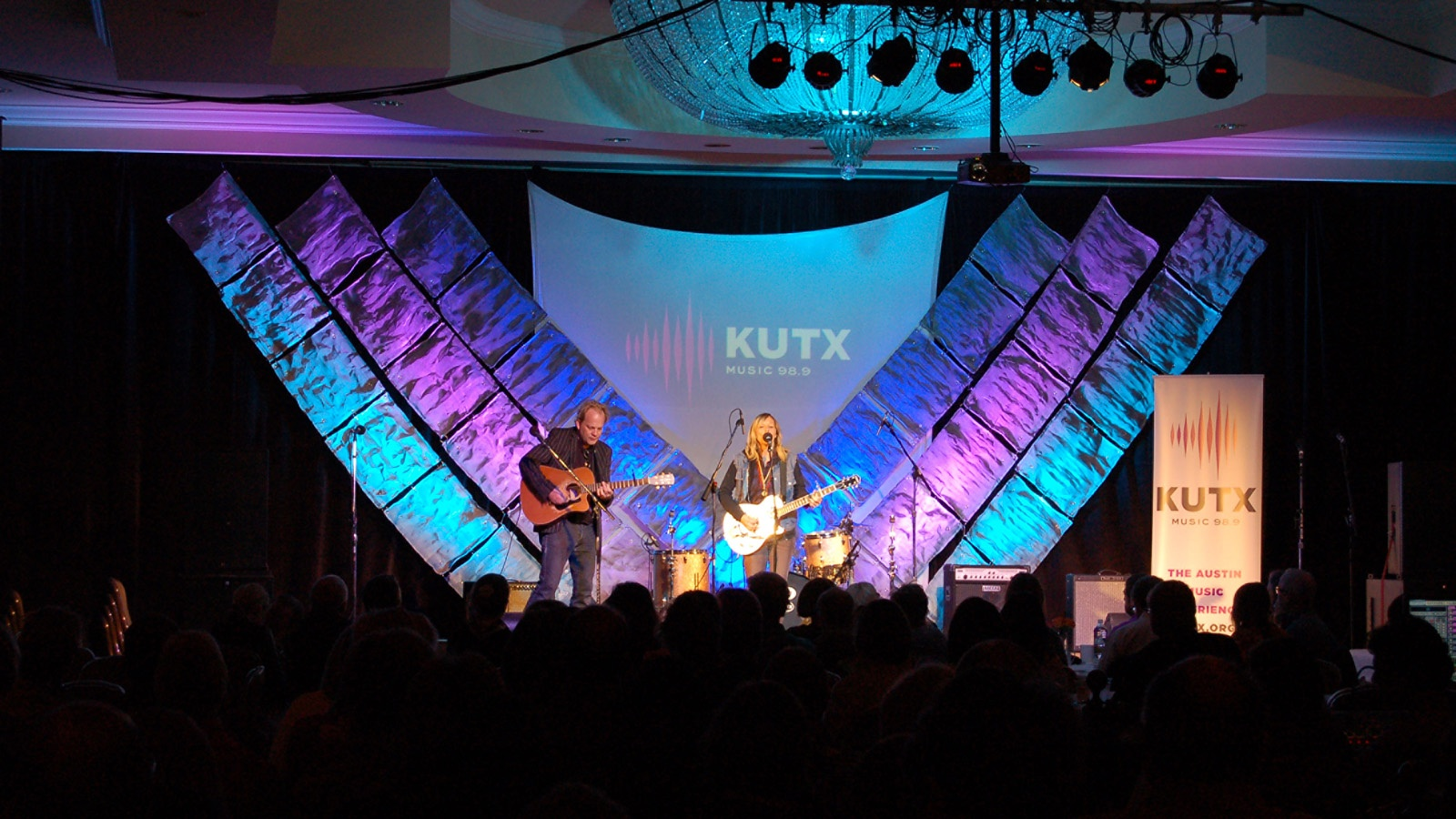 KUTX at the Four Seasons singers with guitars